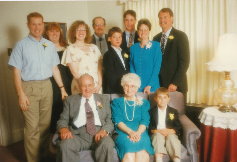 Eileen and Ellis with children and grandchildren.jpg