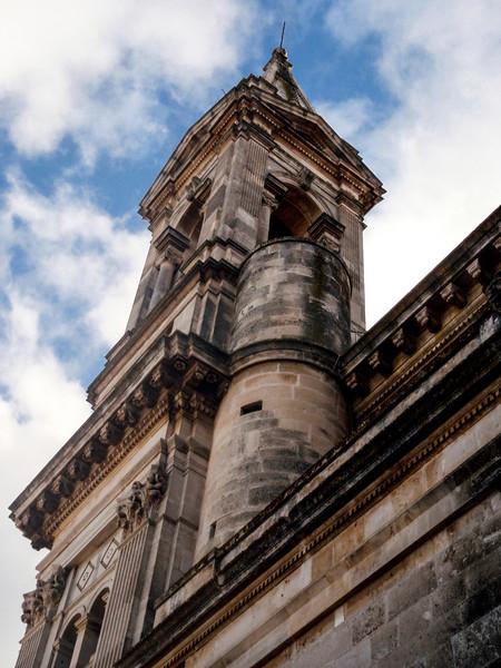 Basilica Santuario Dei SS. Cosma E Damiano in Alberobello - Piazza Sacramento