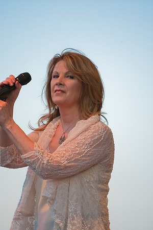 May 10th, 2009 Patty Loveless at Red White and Bluegrass on Hollywood Beach, Florida