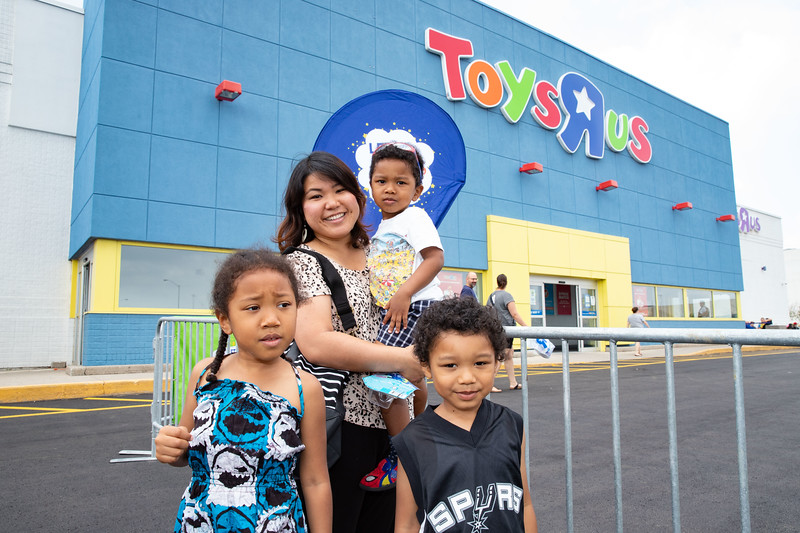 Toys R us Playday