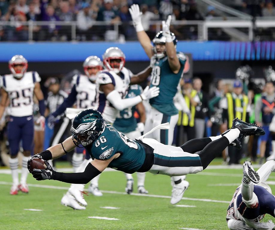 . Philadelphia Eagles\' Zach Ertz dives into the end zone for a touchdown during the second half of the NFL Super Bowl 52 football game against the New England Patriots Sunday, Feb. 4, 2018, in Minneapolis. (AP Photo/Mark Humphrey)