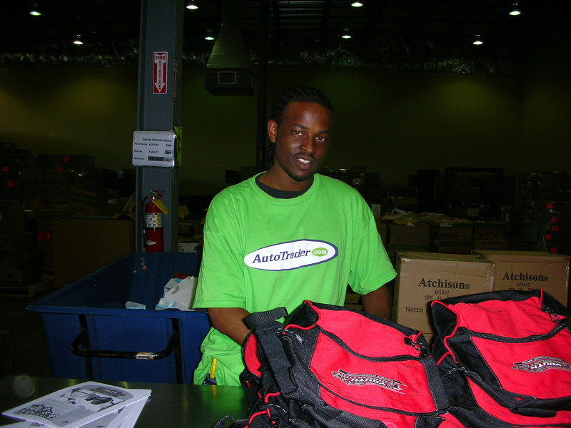 R4 Community Service - Atlanta Community Food Bank 009.jpg