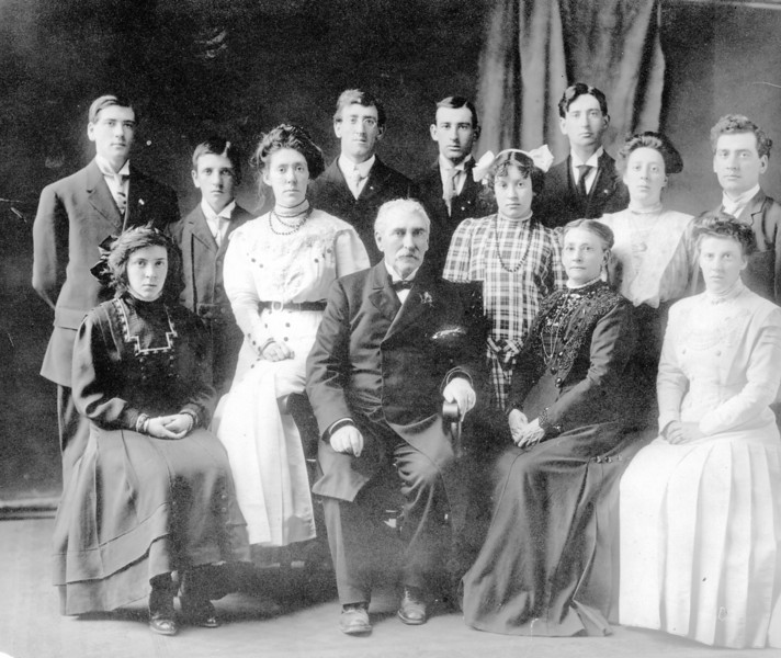 W D Harris and Family Feb. 1911