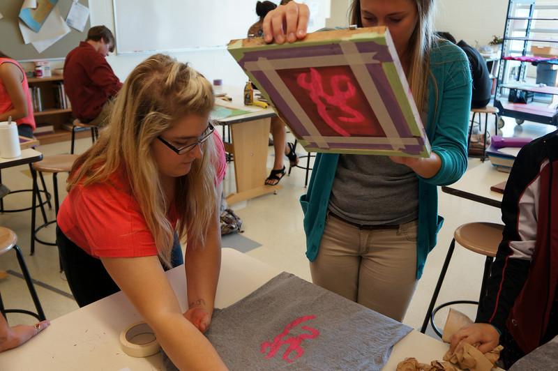Lutheran-West-Art-Class-Silk-Screen-T-Shirts--September-2012--125.JPG