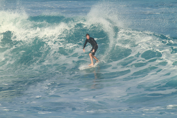 SURFING HO'OKIPA JAN-2012