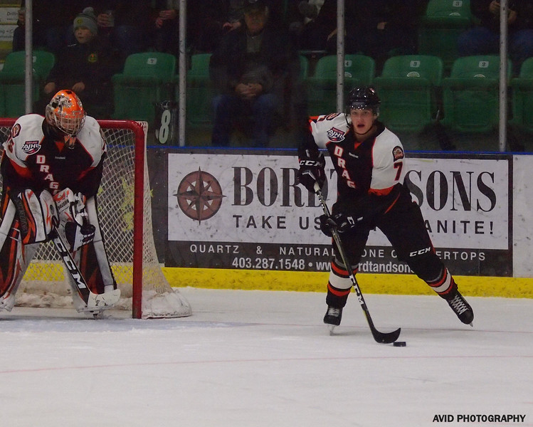 Okotoks Oilers vs Drumheller Dragons. Nov4th (17).jpg