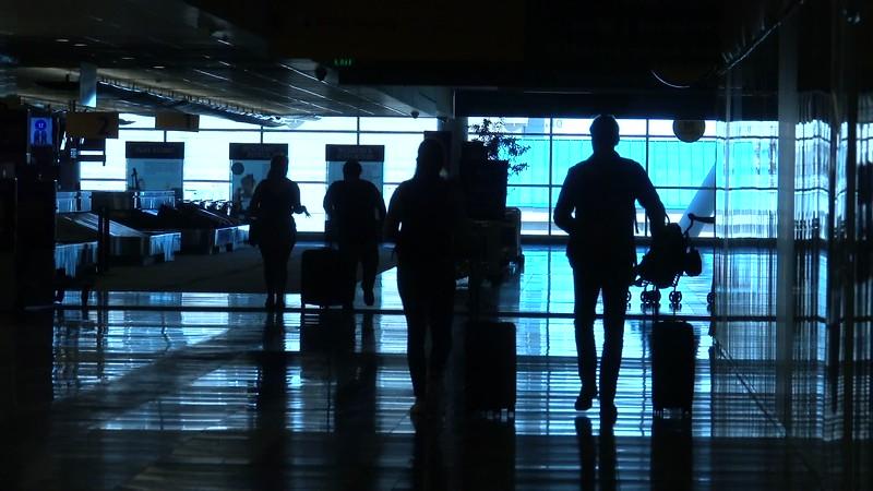 090220_Passengers_Luggage_brooroll-012.mp4