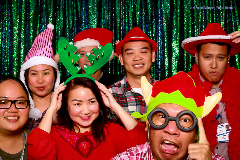 Medtronic Holiday Party -393.jpg