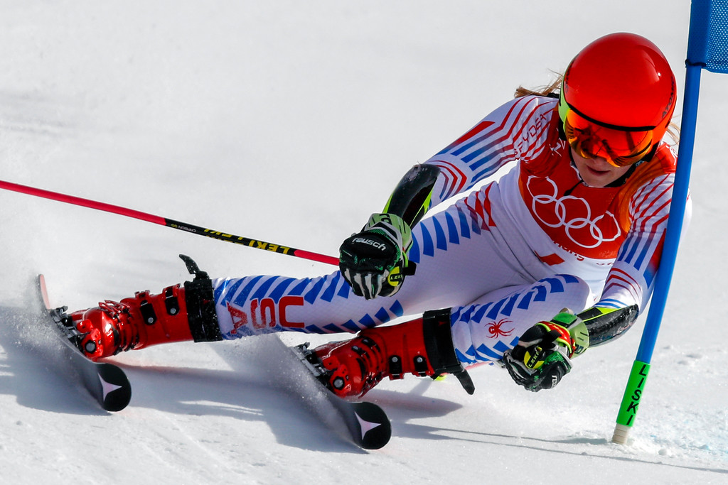 . Mikaela Shiffrin, of the United States, attacks the gate during the second run of the Women\'s Giant Slalom at the 2018 Winter Olympics in Pyeongchang, South Korea, Thursday, Feb. 15, 2018., Thursday, Feb. 15, 2018. (AP Photo/Jae C. Hong)