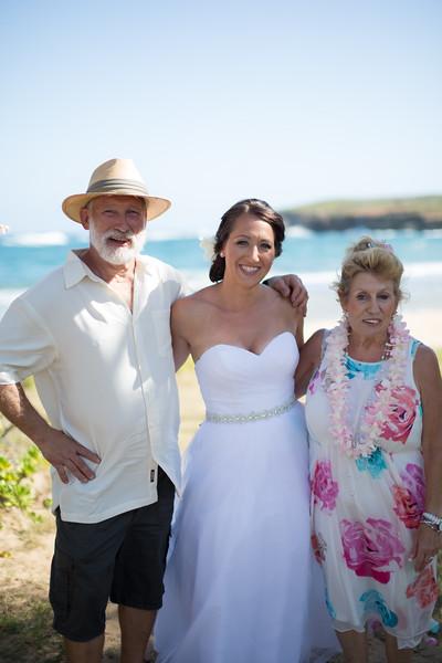 gillin beach kauai wedding-44.jpg