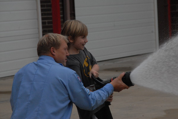 Students visit Vinton Fire Station, learn fire prevention