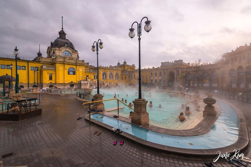 2016.12_Budapest__6101509-Juno Kim.jpg