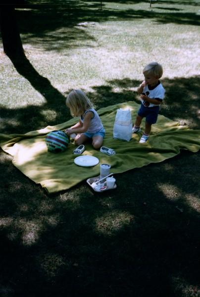 1985_Summer_Norfolk_Greg_and_Summer_Lisle_Pics_0010_a.jpg
