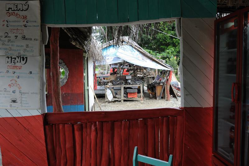 costa_rica_street_cafe.jpg
