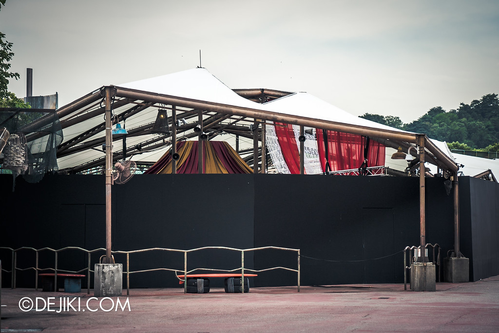 Universal Studios Singapore - Halloween Horror Nights 6 Before Dark Day Photo Report 3 - Bodies of Work haunted house / house from outside