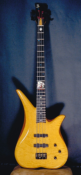 Roberto-Venn student bass 1996