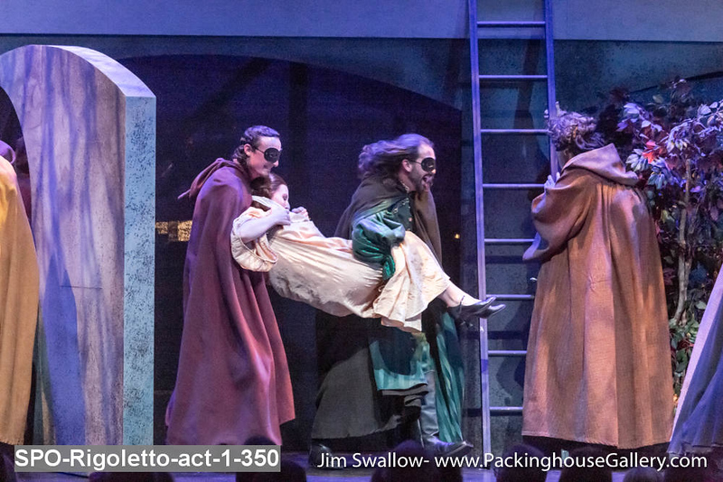 SPO-Rigoletto-act-1-350.jpg