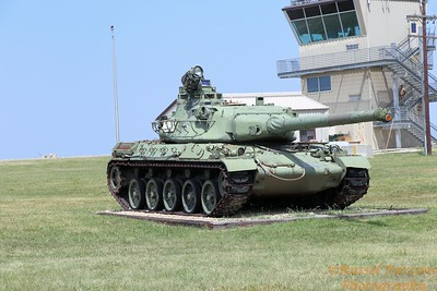 MILITARY TANKS / EQUIPMENT