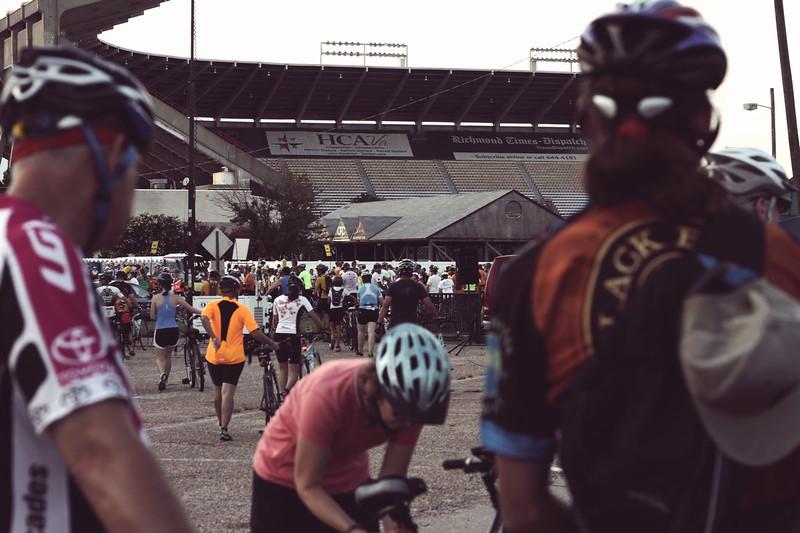 08/04/2012 - Anthem moonlight bike ride