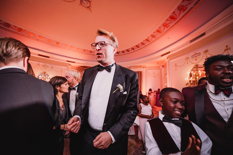 Montreal Wedding Photographer | Wedding Photography + Videography | Ritz Carlton Montreal | Lindsay Muciy Photography Video |2018_779.jpg