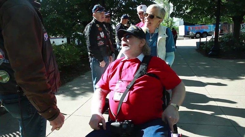 2019 April Day 2 Arriving at WWII Memorial with BWI Brownies (4 of 1).mp4