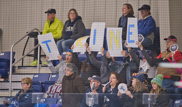 TRINE'S WOMEN'S ICE HOCKEY
