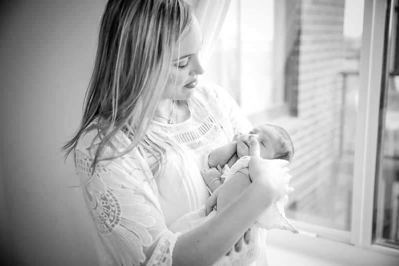 bw_newport_babies_photography_hoboken_at_home_newborn_shoot-5351.jpg