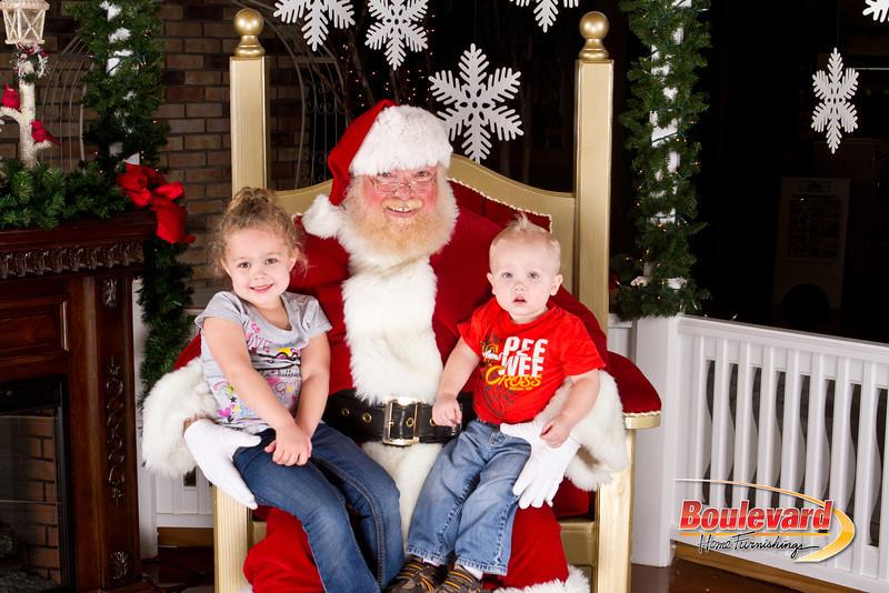 Santa Dec 8-333.jpg