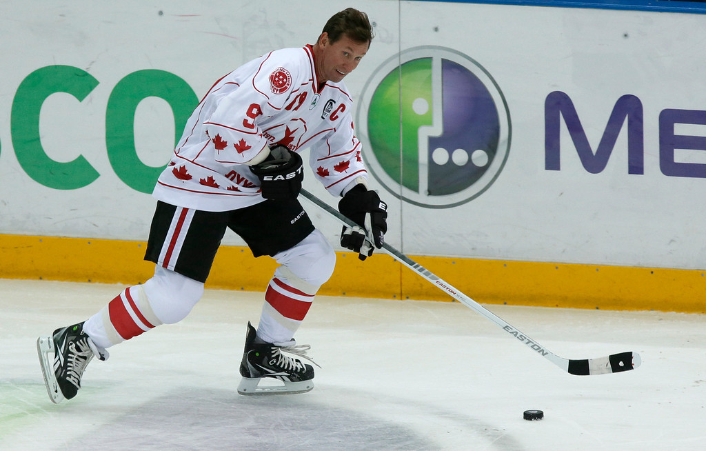 . Canada\'s Wayne Gretzky plays during a Legends Jubilee Games 2012 hockey match between teams Legend of Canada and Legend of USSR in St. Petersburg, Russia, Wednesday, Sept. 5, 2012. (AP Photo/Dmitry Lovetsky)
