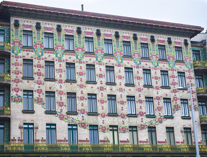 Vienna: The Majolica House (Otto Wagner, 1899)