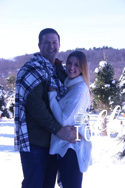 11-23-18 Meghan & Stephen Christmas Tree Mini