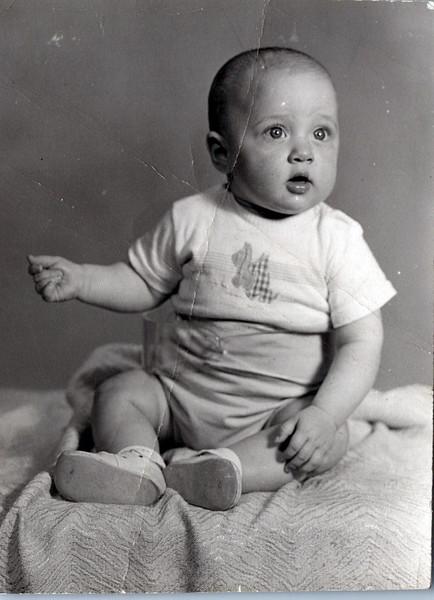 1952 Ken at 6 months.jpeg