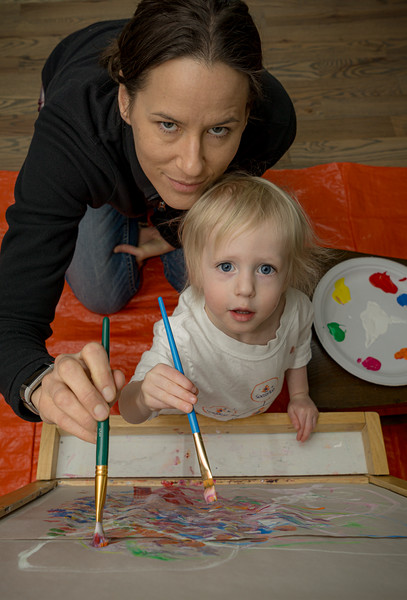 2020012517380764-3734865819328032311-2020 iva and mommy painting.JPG