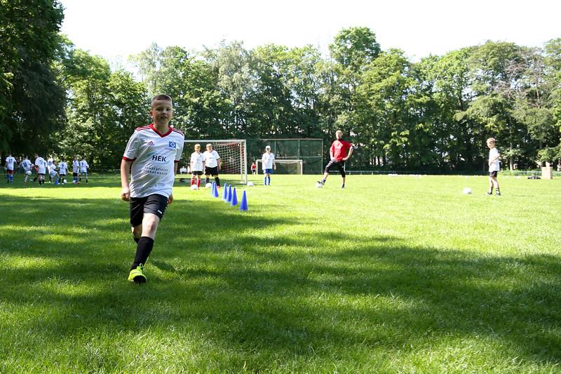 hsv_fussballschule-310_48048034412_o.jpg