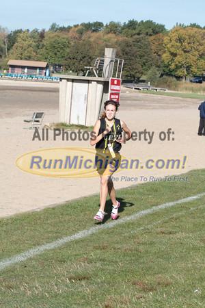 Varsity Women Gallery 1 - 2013 Macomb County Cross Country Championships