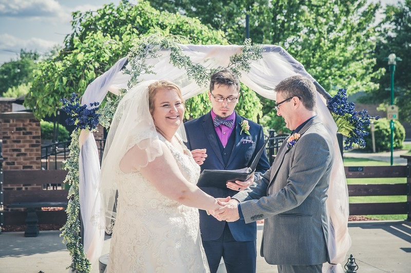 Beloit-WI-Ironworks-hotel-Wedding-Photographere_m_51.jpg
