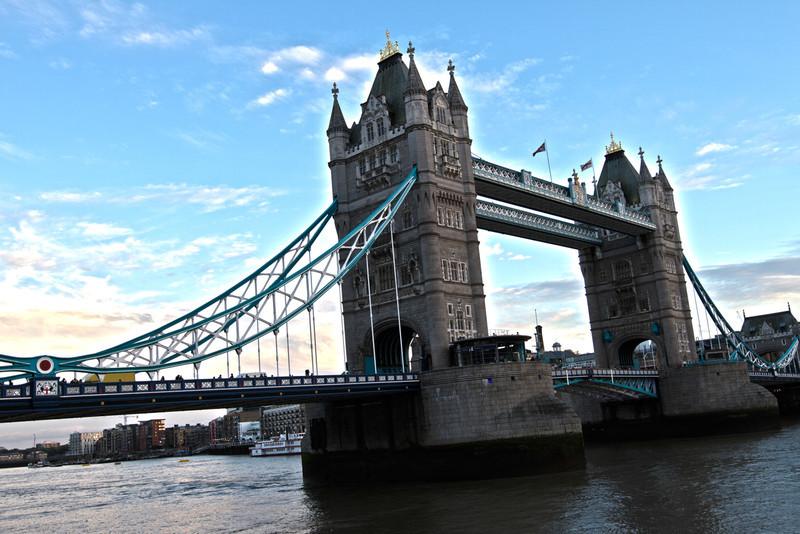 londonbridgesunset2.jpg