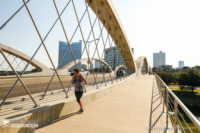Fort Worth-Social Running_917-0610.jpg