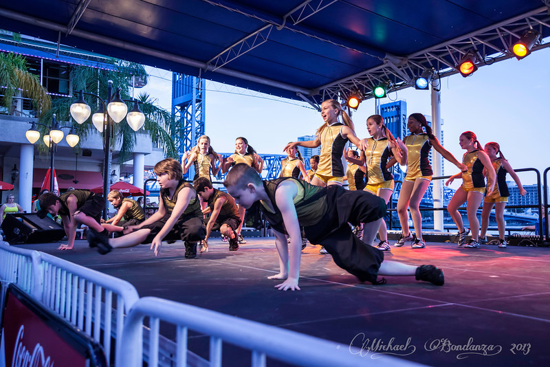 SJSD_Arts_Walk_Performance_085.jpg