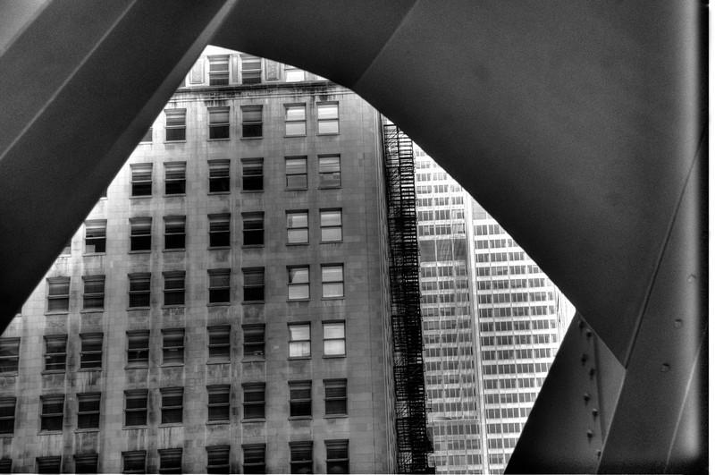 ChicagoBuildingframedbysteelDSC_5017_8_9_tonemapped.jpg