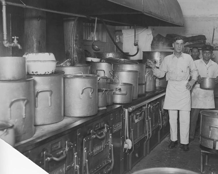 1928, Kitchen