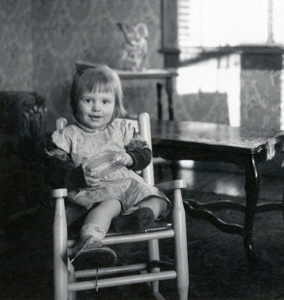 Debbie at maybe 3?  I think this is marion, Ill. I really like this pic.