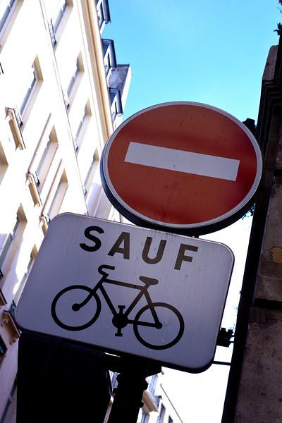 Paris street sign 00076.jpg