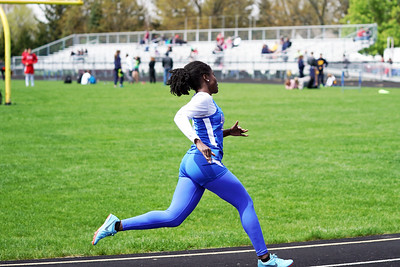 Girls 400m Dash (2019-04-27)