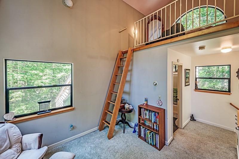 Upstairs Bedroom and Loft