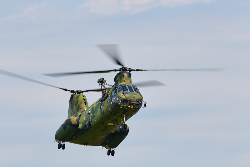 Vertol 107 - ready to land