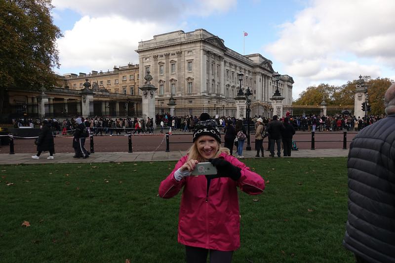 Buckingham Palace_London Tour_GJP01194.jpg