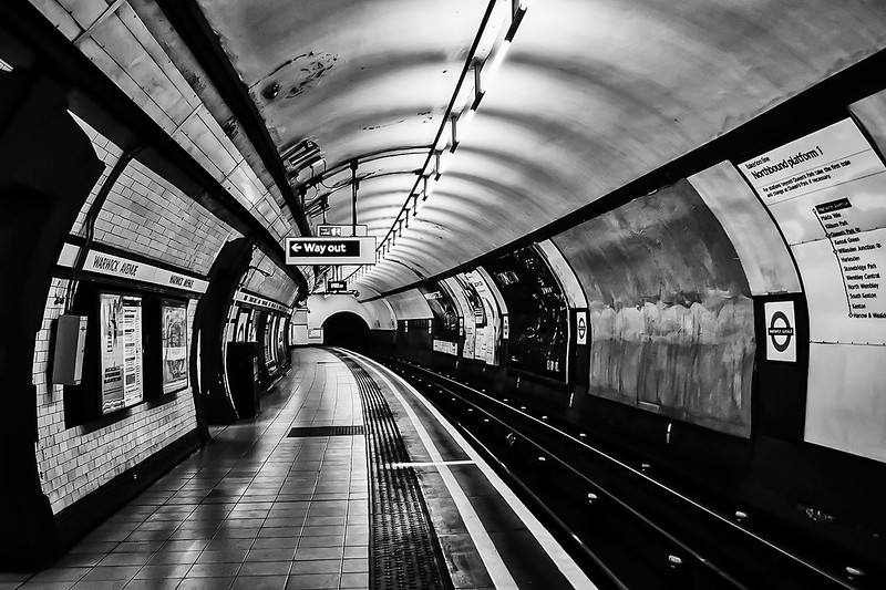 Warwick Ave. Station London.jpg