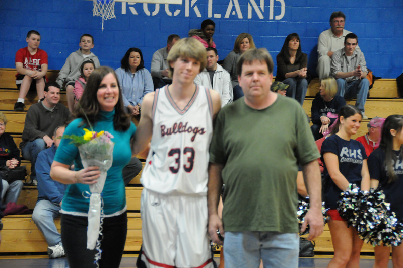 boysbasketballseniornight021911 042.JPG