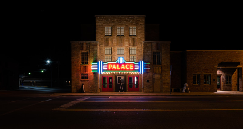 Palace_Theatre_Crossville.jpg